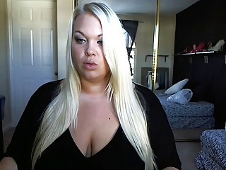 Blue Eyes BBW Bunch and Play..