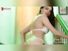 Shreline Chopra hot string..